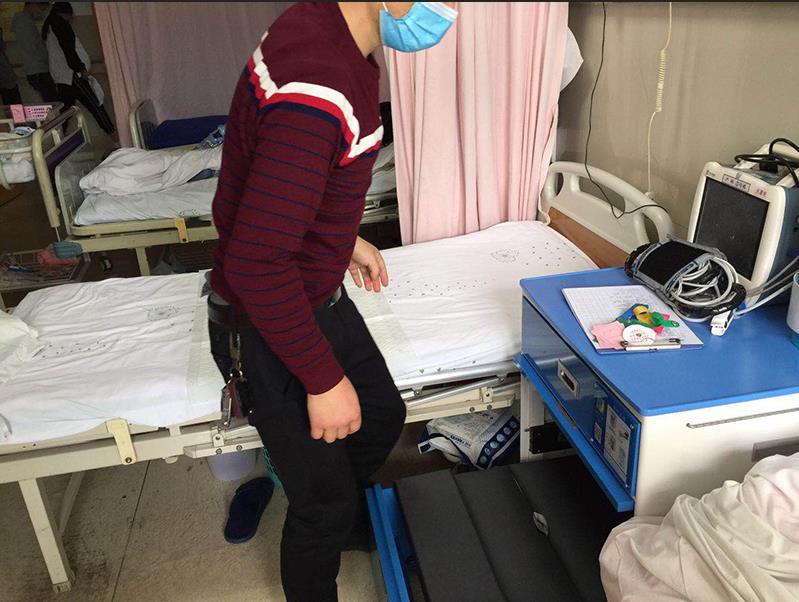 新疆兵团第七师总医院陪护床案例